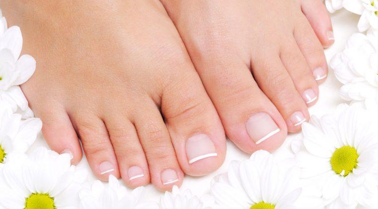 Conoce las principales afecciones de los pies y evítalas con una pedicura profesional
